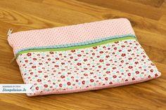 Eine genähte Tasche für mein iPad Stempelwiese • Im dritten Nähkurs wollten wir was machen wofür es noch keine Vorlage gibt. So entschied ich mich für eine iPad-Tasche mit den Stoffen von Stampin' Up!. Wi