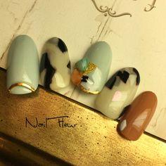 5本組。秋が待ち遠しい(笑) スワイプ←で去年の#ホワイトべっ甲ネイル どちらでもお好みで施術できまーす❤️ #カーブスティック は @cocco0720 先生のパーツ❣️ #nail#nailist#naildesign#handwriting#nailartist#nailsalon#japan#nailswag#gelnail#freehand#美甲#美甲師#福岡市ネイル#福岡市東区ネイル#東区ネイル#箱崎#箱崎ネイル#ネイルフルール#cute#casual#大人可愛い #ネイルアート#手描きアート#nailplus#ホワイトべっ甲ネイルフルール