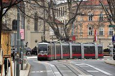 Siemens ULF B1 #712 Wiener Linien Wien Wiedeń Vienna Commercial Vehicle, Vienna, Trains, Street View, Explore, Vehicles, Simple Lines, Car, Train