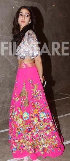 Sara Ali Khan and Disha Patani take the capital by storm Bollywood Outfits, Bollywood Fashion, Bollywood Couples, Indian Celebrities, Bollywood Celebrities, Bollywood Actors, Indian Dresses, Indian Outfits, Disha Patni