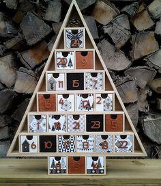 Calendrier de l'Avent en bois, nordic géométric, noir, blanc et cuivre irisé : Décoration pour enfants par mimipoussine