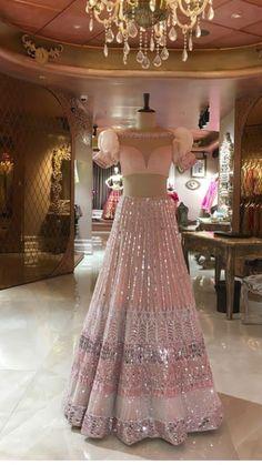 Beautiful Lehenga with puff sleeves blouse. Designer Bridal Lehenga, Indian Bridal Lehenga, Indian Bridal Outfits, Indian Bridal Fashion, Indian Bridal Wear, Indian Designer Outfits, Red Lehenga, Lehenga Choli, Indowestern Lehenga