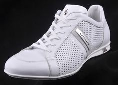 Fashionable white men's shoes