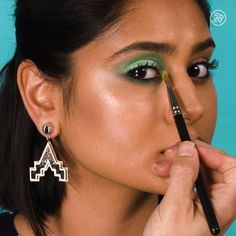 makeup video Try This Matte Look for Your Eyes & Lips Try This Matte Look for Your Eyes & Lips Eye Makeup Tips, Makeup Geek, Makeup Videos, Lip Makeup, Makeup Cosmetics, Beauty Makeup, Makeup Tricks, Makeup Tutorials, Video Tutorials