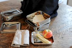 metal lunch boxes from Olmay Home
