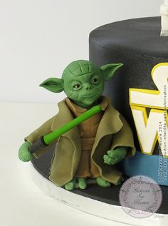 Yoda Star Wars (from Gateaux sur Mesure Paris - Formations Cake Design, Ateliers pâte à sucre, Wedding Cakes, Gateaux d'Exposition)