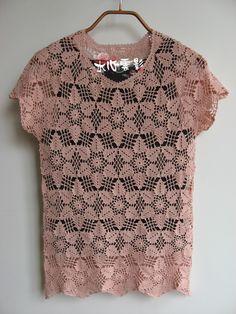 Beautiful crochet shirt with star-shaped crochet motifs!  钩针拼花短袖衫 - 水心云影 - 水心云影的博客