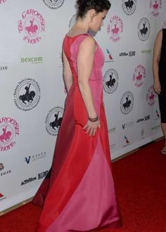 How Beautiful, Beautiful People, Idina Menzel, Unusual Things, Formal Dresses, Fashion, Dresses For Formal, Moda, Formal Gowns
