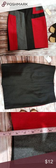 """Red and black color block pencil skirt Forever21 pencil skirt with red and black at the front. Back is all black. Small. L- 18"""", H - 16.5"""", W - 14"""" flat. Lined. Fabric: Wool & Polyester blend. FIRM unless bundled. Forever 21 Skirts Pencil"""