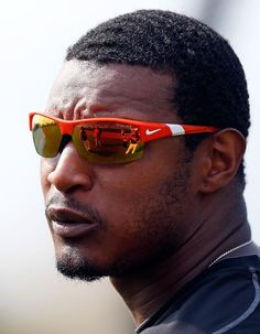 SARASOTA, FL - MARCH 23: Outfielder Adam Jones #10 of the Baltimore Orioles takes batting practice just before the Grapefruit League Spring Training Game against the Philadelphia Phillies at Ed Smith Stadium on March 23, 2013 in Sarasota, Florida. (Photo by J. Meric/Getty Images)