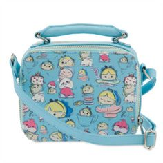 With exclusive Alice In Wonderland Tsum Tsum style character artwork, this bag is a fashion must have. With a design that zips open on both sides, it has a carry handle and an adjustable shoulder strap.