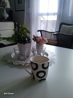 B&W Mugs, Black And White, Tableware, Blog, House, Blanco Y Negro, Dinnerware, Cups, Home