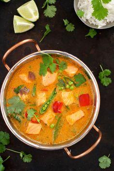 One pot wonder - lettvint gryterett - Mat På Bordet Salmon Curry, One Pot Wonders, Norwegian Food, Chorizo, Thai Red Curry, Vegan Vegetarian, Seafood, Food Porn, Dinner Recipes
