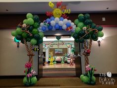 Grand Entrance for a special needs prom! Balloons by Tommy - Photo Gallery - Balloon Sculptures