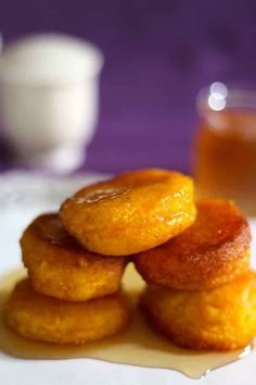 Pampoenkoekies - traditional South African pumpkin fritters, eaten either sweet with caramel or cinnamon sugar, or savory as an appetizer. Pastry Recipes, Baking Recipes, Snack Recipes, Snacks, Potluck Recipes, Oven Recipes, Curry Recipes, Cake Recipes, South African Desserts