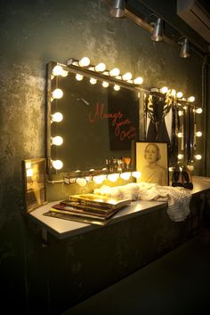 Our brand new Parisien boudoir! lt 3 www.vintagelovers.gr Showgirls 1473d4ae33c