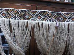 Robin Weaves Korowai: 2017 Maori Patterns, Knitting Patterns, Tablet Weaving Patterns, Polynesian Dance, Flax Weaving, Maori Designs, Weaving Techniques, Little People, Robin