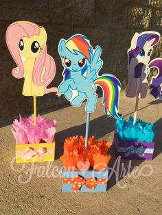 Mi Little Pony cumpleaños centro de mesa por RosiesPoshParties