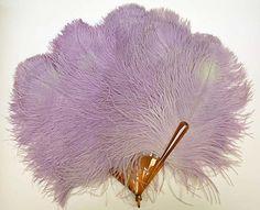 Vintage Feather Fan - American Or European c. - The Metropolitan Museum Of Art Edwardian Era, Edwardian Fashion, Vintage Fashion, Women's Fashion, Antique Fans, Vintage Fans, Hand Held Fan, Hand Fans, Ostrich Feathers