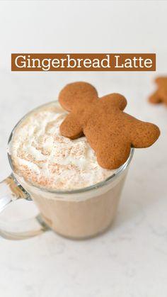Christmas Desserts, Christmas Treats, Christmas Cookies, Gingerbread Latte, Gingerbread Man Cookies, Coffee Drink Recipes, Coffee Drinks, Homemade Iced Coffee, Salad In A Jar