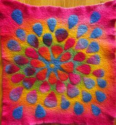 Teri Berry Creations: Blending dyes on wool