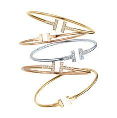 Les bracelets T de Francesca Amfitheatrof x Tiffany & Co. en or et diamants http://www.vogue.fr/joaillerie/le-bijou-du-jour/diaporama/le-bracelet-t-de-tiffany-co-francesca-amfitheatrof/20066#!les-bracelets-t-de-francesca-amfitheatrof-x-tiffany-amp-co-en-or-et-diamants
