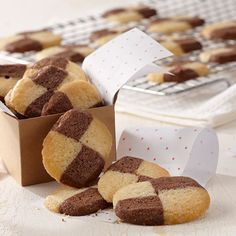 Learn to make Checkerboard Cookies. Read these easy to follow recipe instructions and enjoy Checkerboard Cookies today!