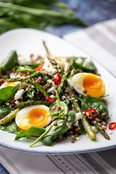 Minion, Cobb Salad, Ethnic Recipes, Food, Instagram, Essen, Minions, Meals, Yemek