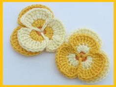 Crochet appliques crocheter 2 pensées cartes par MyfanwysAppliques