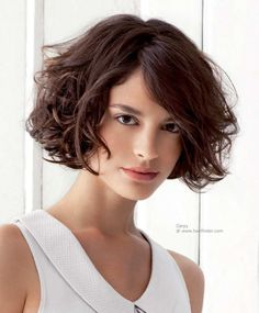 awesome Short bob haircuts for curly hair