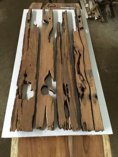 prepare stage to mold,form of the table tribe - - Rustikale möbel - Resin Wood Epoxy Table Top, Epoxy Wood Table, Epoxy Resin Table, Into The Woods, Resin Crafts, Wood Crafts, Wood Projects, Woodworking Projects, Design Tisch