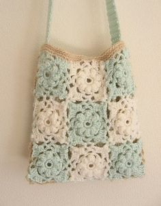 Crochet Handbags Fab Bag: Motif connection tutorial pattern - i love the pale colors - Bag Crochet, Crochet Shell Stitch, Crochet Diy, Crochet Motifs, Crochet Handbags, Crochet Purses, Love Crochet, Crochet Granny, Crochet Crafts
