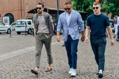 Your guide to men's business casual shoes, how to wear them and what to style them with.