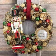 Adventi koszorúk és még sok más - Villa Majolika Modern Christmas, Winter Christmas, Christmas Wreaths, Christmas Crafts, Christmas Things, Advent Wreath Candles, Xmas Decorations, Floral Arrangements, Decoupage