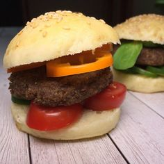Hamburger, Mini, Ethnic Recipes, Food, Red Peppers, Health, Eten, Hamburgers, Meals