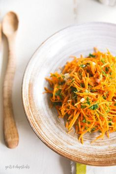 This simple French carrot salad is a great, easy weeknight side dish; click for the recipe! - Grits & Chopsticks