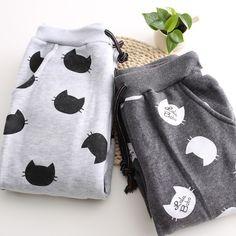 Estos pantalones deportivos de gatitos: | 39 Productos para celebrar tu amor por los gatos 2016