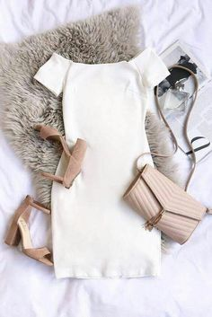 I love this outfit . it looks classy and stylish Dressy Outfits, Mode Outfits, Spring Outfits, Fashion Outfits, Womens Fashion, Winter Outfits, Fashion Fall, 90s Fashion, Dress Fashion