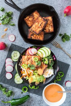 *sub tempeh for tofu and marinade longer* Banh Mi less Banh Mi Bowl - Easy Recipes & Dessert Tofu Recipes, Asian Recipes, Cooking Recipes, Healthy Recipes, Cooking Tips, Chicken Recipes, Vegan Vegetarian, Vegetarian Recipes, Vegan Raw