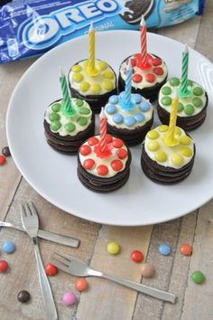 Ellouisa: Traktatie: oreotaartjes - kids in de keuken Edible Crafts, I Party, Clean Recipes, Mini Cupcakes, Amazing Cakes, Kids Meals, Sweet Treats, Desserts, Food