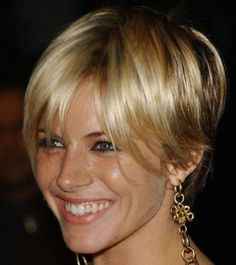 50 short shag haircuts Short hair can look good, did not you know that? And it's going to look good, but it's important to pick the right style for you first. That can be tough, especially when it comes to short shag hairst Curly Shag Haircut, Short Shaggy Haircuts, Short Shag Hairstyles, Short Hairstyles For Women, Layered Hairstyles, Short Hair With Layers, Long Hair Cuts, Sienna Miller Short Hair, Mint Hair