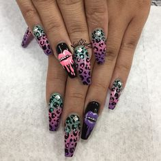 I'm in love with these but don't like the shape of the nails. Sexy Nails, Dope Nails, Fancy Nails, Stiletto Nails, Pretty Nails, Coffin Nails, Nail Swag, Nail Candy, Cute Nail Designs