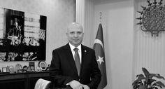 Akademisyen kıyımına imza atan Ankara Üniversitesi'nin rektörüne 'işlem yapılmıyor'