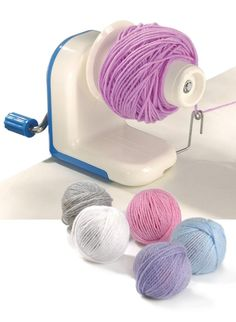 Whether you're ripping out an old project (it happens to the best of us) or combining two yarns for a new one, this ball winder will help you make nice neat balls of yarn that unravel from the centre. The yarn winder Knitting Wool, Easy Knitting, Knitting For Beginners, Knitting Stitches, Knitting Designs, Wool Yarn, Knitting Projects, Knitting Patterns, Knitting Machine