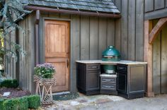 Big Green Egg cabinet by Select Outdoor Kitchens Big Green Egg Outdoor Kitchen, Big Green Egg Table, Big Green Egg Grill, Outdoor Kitchen Grill, Green Eggs And Ham, Outdoor Cooking, Outdoor Kitchens, Outdoor Entertaining, Bbq Area