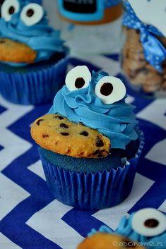 Babeczki Ciasteczkowy Potwór. Blue Velvet Cupcakes. Cookie Monster Cupcakes. Pieguski.