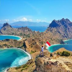 Padar Island in Komodo National Park, Nusa Tenggara Timur Beautiful Islands, Beautiful Places, Travel Around The World, Around The Worlds, Places To Travel, Places To Visit, Komodo National Park, Komodo Island, Bali Travel