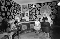 Zofia Rydet was 67 years old when she set herself the herculean task of photographing the inside of every single house in Poland. From 1978 until her death in she would frantically travel by … Houses In Poland, Old Women, Old Things, Pictures, Artists, Image, Fotografia, Photos, Old Ladies