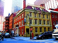 """NYC - Fraunces Tavern, The oldest bar-restaurant in New York City (serving New York since before the Revolution...and still going. You can get lunch there even today. It also had the first """"take-out"""" in NYC - it make lots of a couple of dishes each day, & busy people could come in to have food taken out.)"""