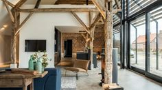 Old Dutch Farm Renovated with Preservation of Ancient Wooden Trusses (7)